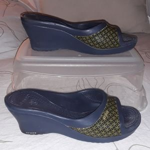 Crocs blue and gold slip-on